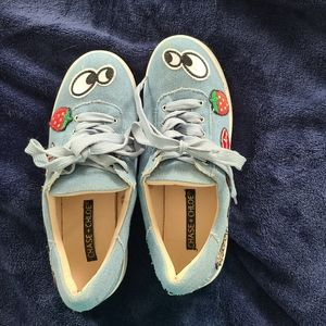Adorable Chase And Chloe 6.5 Graphic Shoes